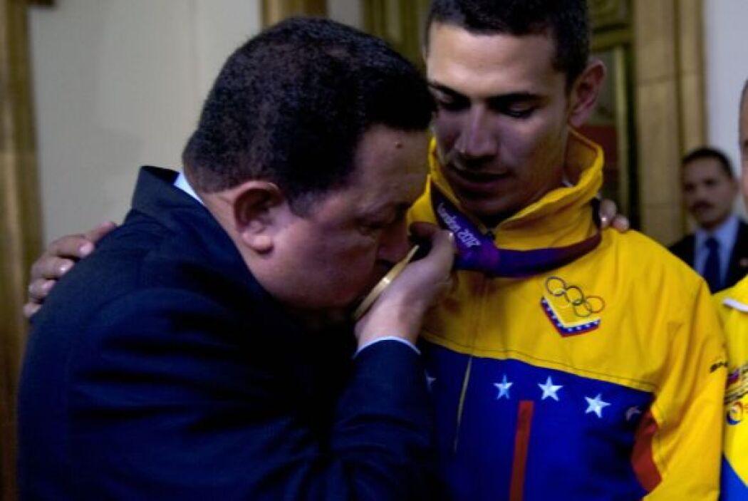 """""""Mi presidente donde quiera que estés siempre estaré orgulloso de usted...."""