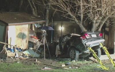 Dos adolescentes mueren en un grave accidente vehicular en la avenida Gears