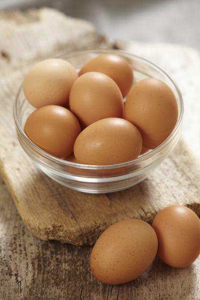 Grasas animales (carnes, lácteos y huevos). Entre las grasas satu...