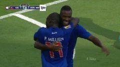 Goooolll!! Duckens Nazon mete el balón y marca para Haití