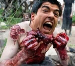 Un profesional en comer carne humana. Mira aquí los videos m&aacu...