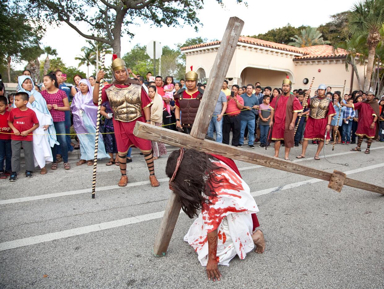 Los católicos guatemaltecos de la ciudad de Lake Worth, en la cos...