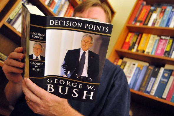 Bush ha promocionado el libro con intensidad en los últimos días y dio e...