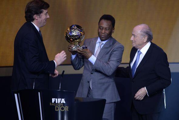 Edson Arantes do Nascimento, 'Pelé', recibió un galard&oac...