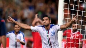 Graziano Pellé marcó el polémico gol con el que se impuso Italia.