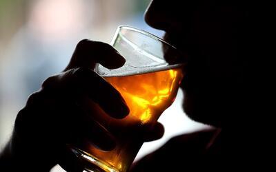 ¿Cómo hablar con sus hijos sobre los peligros del alcohol?