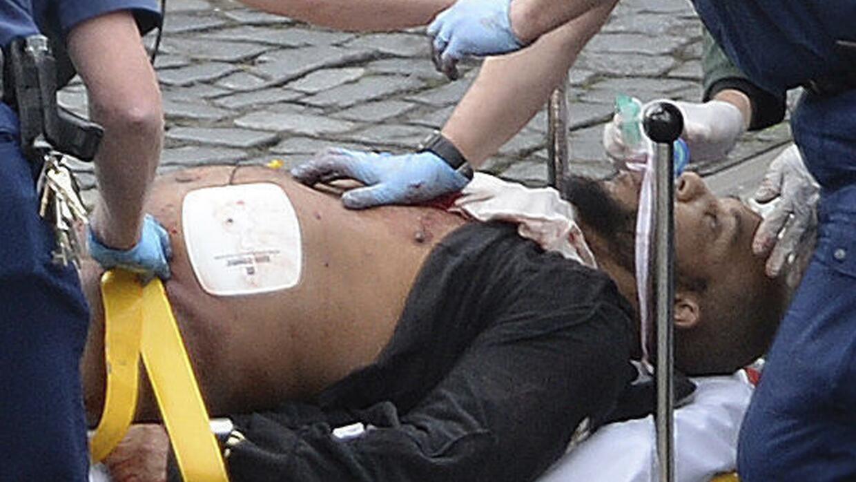 ARCHIVO - Esta foto del miércoles 22 de marzo del 2017 muestra al atacan...