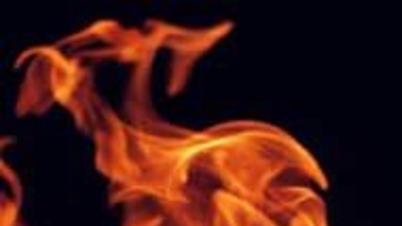 Incendio en Los Angeles Este dejo a dos heridos con quemaduras 02a11df63...