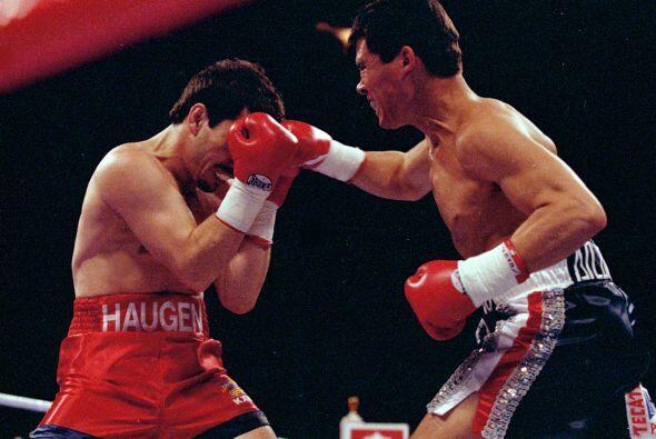 Julio César Chávez llenó el Estadio Azteca contra Greg Haugen, al que no...