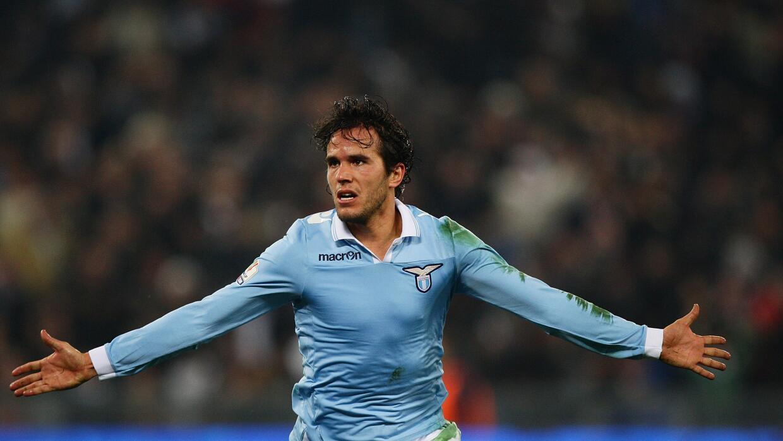 El uruguayo sigue arreglando sus papeles con la Lazio.