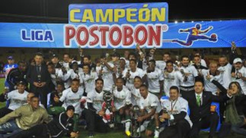 Atlético Nacional se coronó campeón del torneo Apertura-2013 tras vencer...