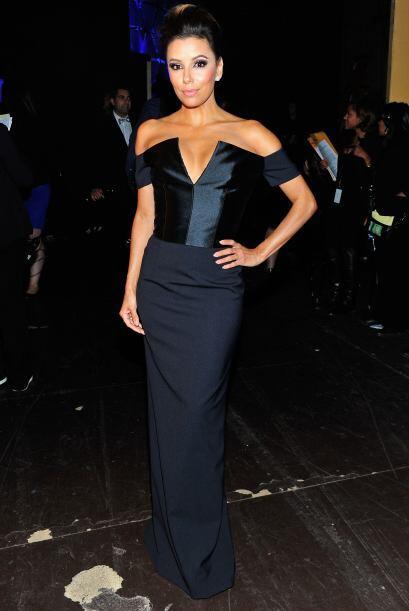 Mira los vestidos que eligió Eva para los ALMA Awards. Mira aqu&i...