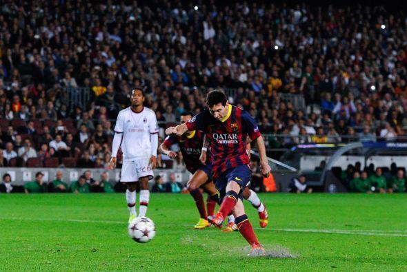 La pelota era para Messi, que con esto podía acabar con su sequía de ano...