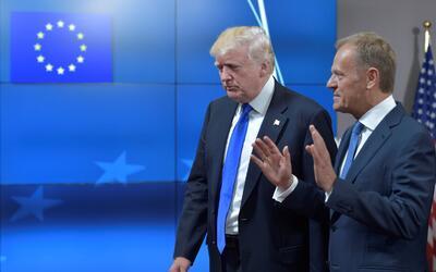 El presidente Donald Trump fue recibido por el presidente del Consejo Eu...