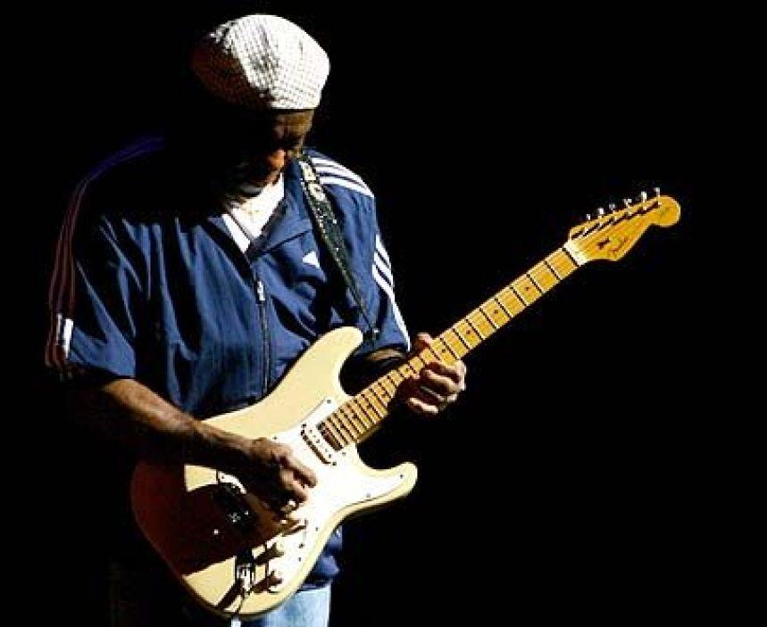 Buddy GuyY al final, llegó el plato fuerte de la noche, el guitarrista B...