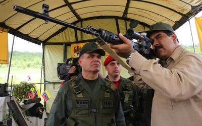 Nicolás Maduro realiza una jornada de ejercicios militares para proteger...