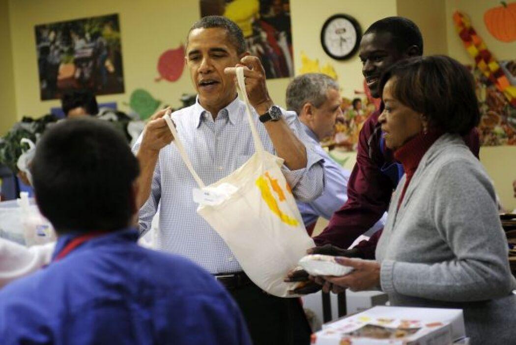 La familia Obama pasó parte del miércoles, previo al Día de Acción de Gr...