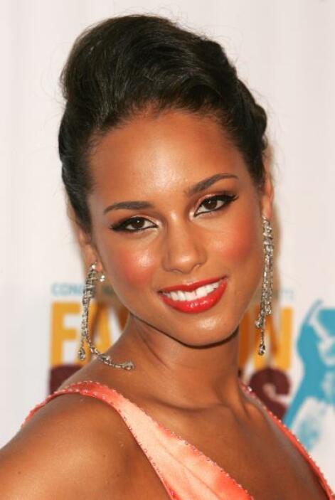 Alicia Keys es una coqueta natural y con sus poses y ángulos ha llegado...