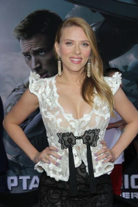 Durante su embarazo, Scarlett Johansson se mantuvo alejada de los reflec...
