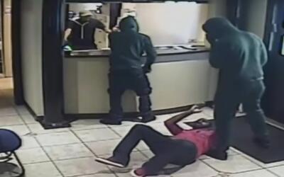 Tres sujetos entraron disparando y asaltaron una clínica de North Miami...
