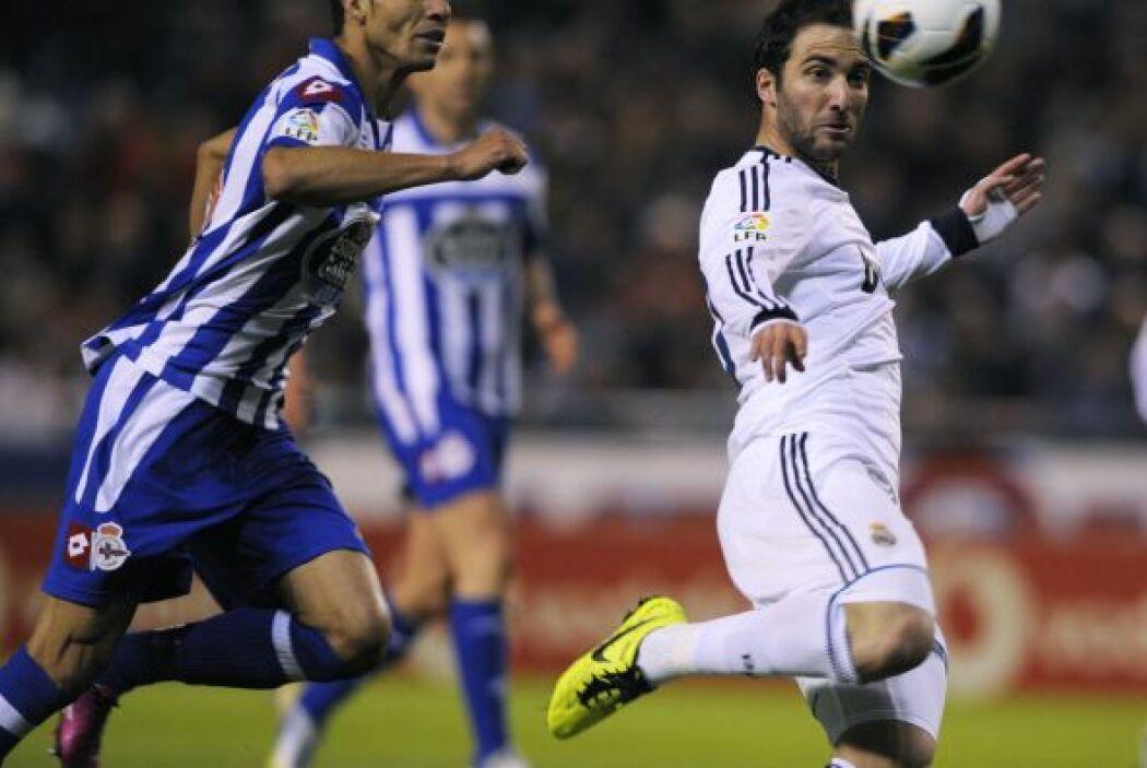 Higuaín tuvo algunas oportunidades falladas, aunque se reivindicó al final.