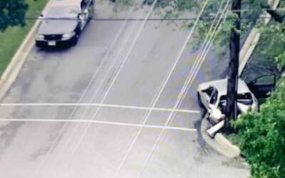 Al menos un oficial habría sido arrollado por un vehículo...