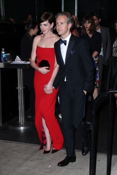 Anne Hathaway lució tan espectacular en la alfombra roja que decidió man...