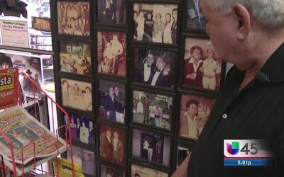 Una tienda de discos revive la visita de Juan Gabriel a Houston