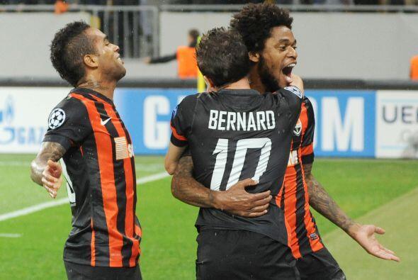 Luiz Adriano buscará ampliar su racha goleadora, el delantero del...