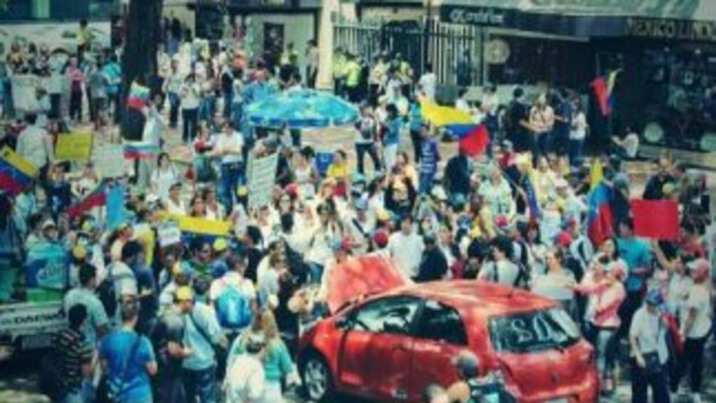 Continúan las manifestaciones en Venezuela, mientras María Corina Machad...