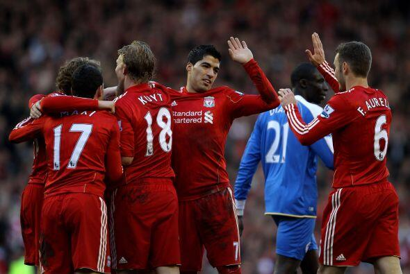 Liverpool comenzó ganando 1 a 0, con gol de Meireles, sobre el Wigan. El...