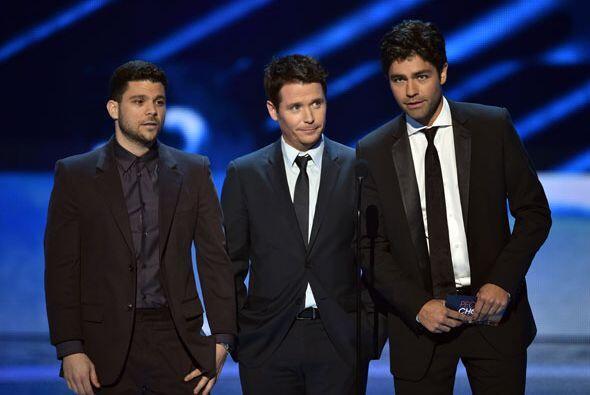 El elenco de 'Entourage' promocionó su peli y anunció a la ganadora de A...