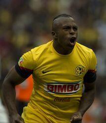 Diez futbolistas ecuatorianos, la mayoría de la selección nacional, mili...