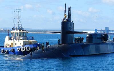 Corea del Norte amenaza con hundir un portaaviones estadounidense anclad...