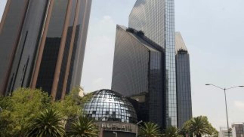 Moody'saumentó su calificación de la deuda soberana de México de Baa1 a...