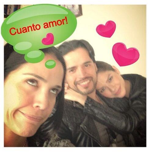 """""""¡¡¡Cómo los quiero!!! #vivaelamor #destino #almasgemelas @anapatriciatv..."""