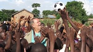 El viaje de Raúl a Uganda.