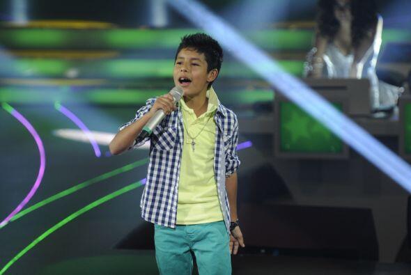 Josafat es un niño con muchísimo talento y así lo demostró cantando con...