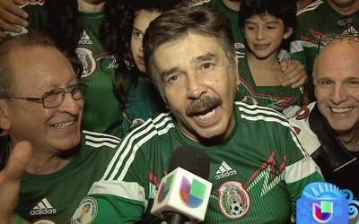 Ortiz de Pinedo y sus amigos se reunieron para ver el juego de México