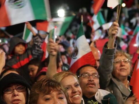 Mexicanos en el área de Chicago llegaron a La Villita para celebr...