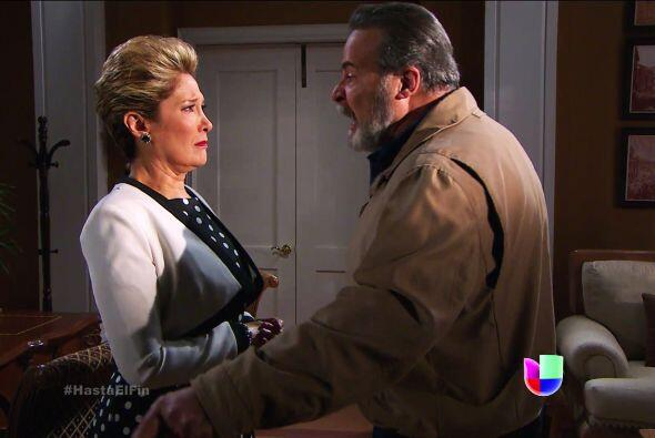 ¡Por fin conoció la verdad don Paco! Sí, Sofía es su hija.