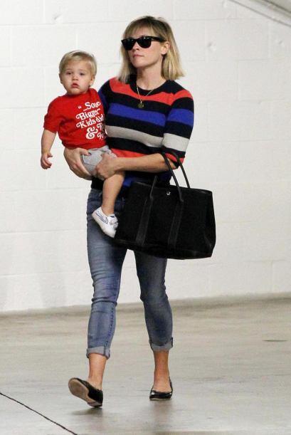 El bolso carmín de Jessica Alba no fue el único que vimos...