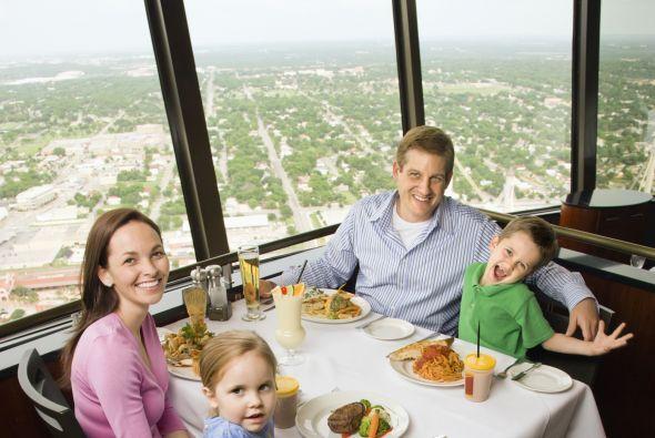 El mirador y restaurante de las torres es imperdible para cualquiera.