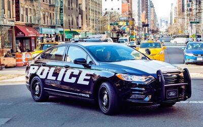 Ford Police-Responder-Hybrid-Sedan-5.jpg