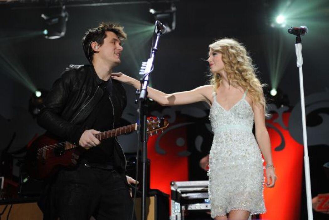 """Taylor respondió con la mejor arma que tenía: una canción. """"Dear John"""" t..."""