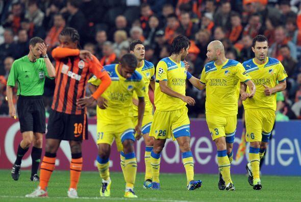 Para sorpresa de todos, el APOEL se puso en ventaja.