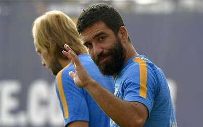 Arda Turan se quedará con las ganas de ver acción con el Barcelona en 2015.