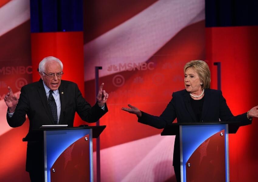 Hillary Clinton Bernie Sanders en debate demócrata