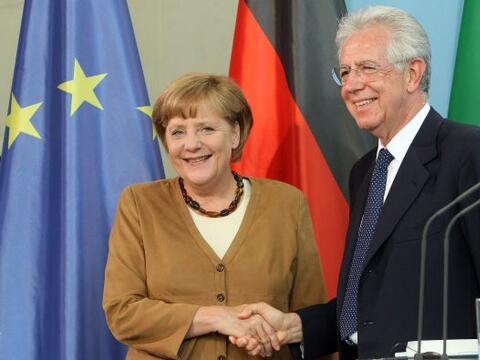 Durante su reunión con el primer ministro de italiano, Mario Monti, la c...