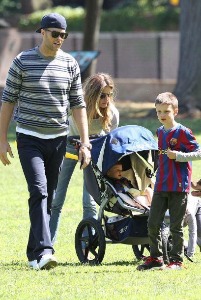 Jhon, el hijo mayor de Brady es fruto de su relación con la actriz Bridg...